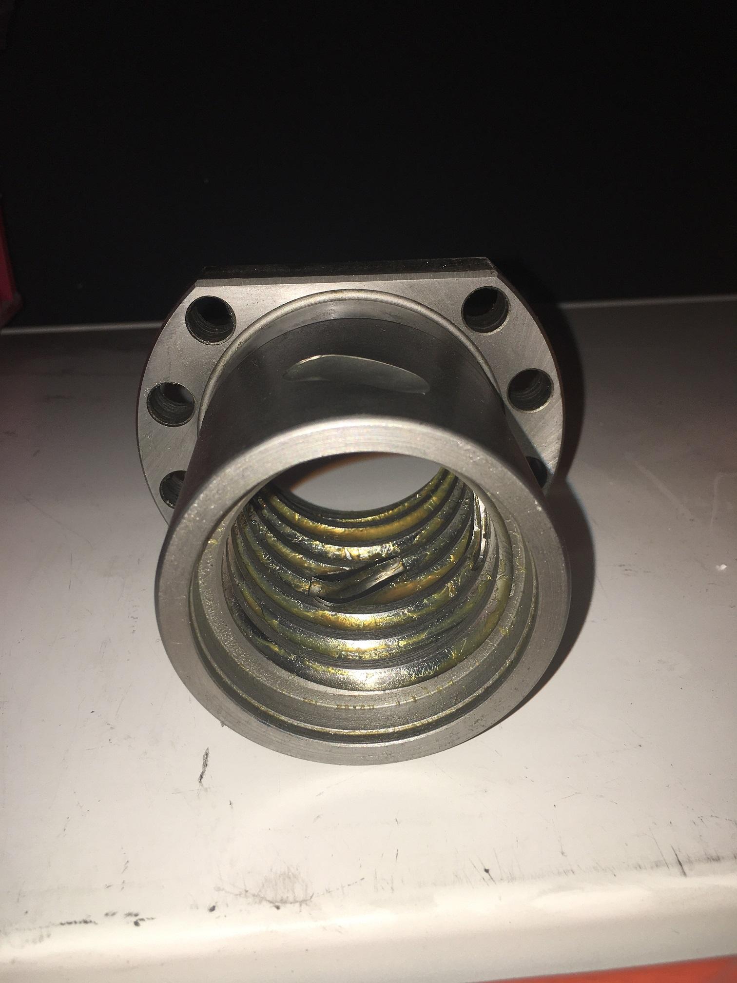 internal view on ball screw nut